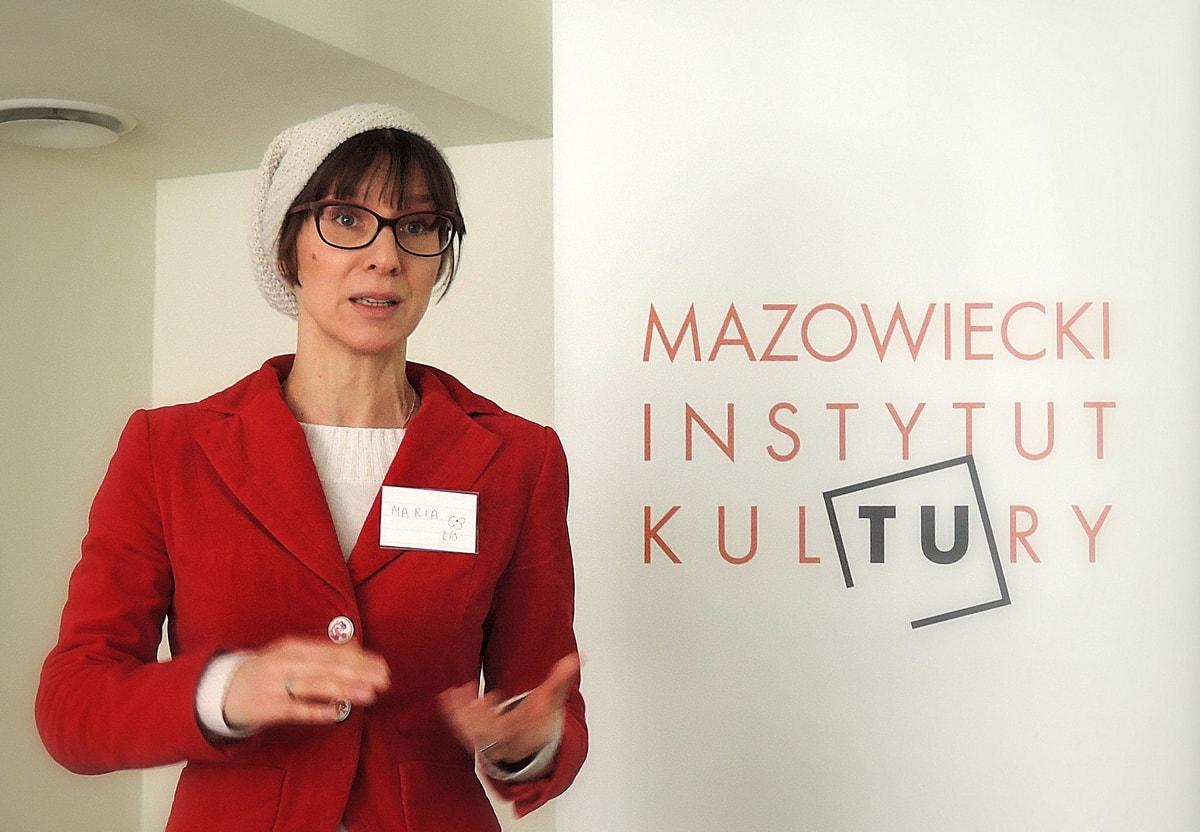 Maria Badeńska-Stapp prowadzi wykład