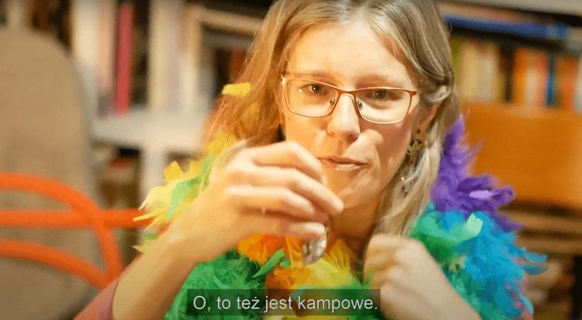 """""""Słowa między ludźmi"""" – Agnieszka Wolny-Hamkało przedstawia Słownik, Performance, Wiersz i Kamp"""