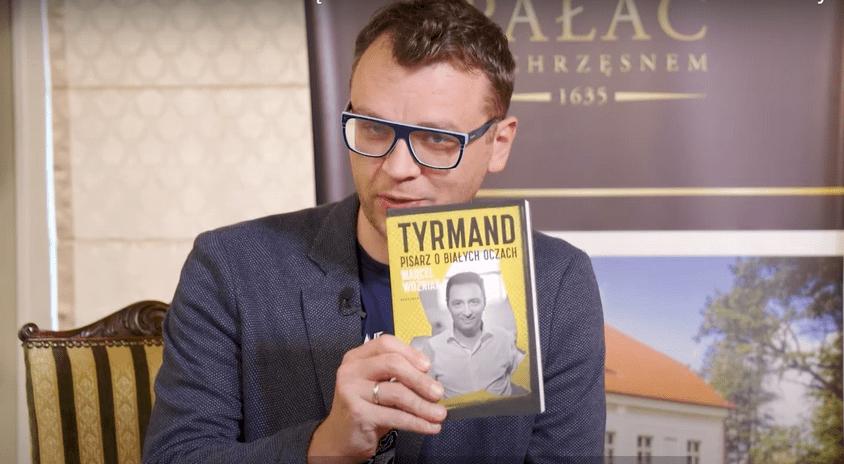 """O Leopoldzie Tyrmandzie mówi Marcel Woźniak – autor książki """"Tyrmand. Pisarz o białych oczach"""""""