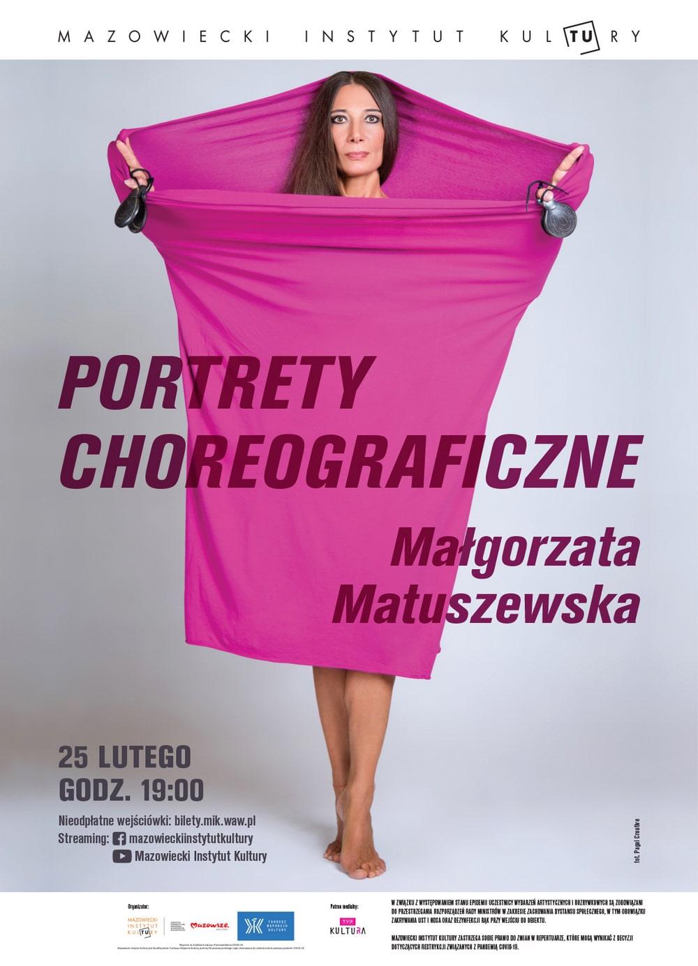 Plakat: na zdjęciu Małgorzata Matuszewska, stoi owinięta w fioletową tkaninę