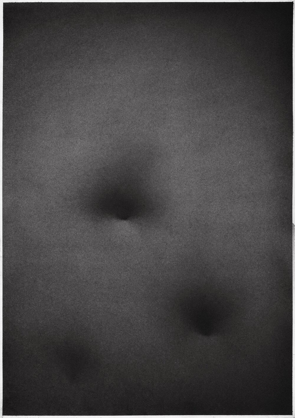 grafika: abstrakcja, na szarym tle dwa ciemniejsze pola