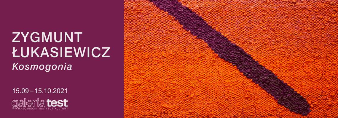 grafika: abstrakcja, na ciemnoczerwonym ukośna ciemna kreska z lewego górnego rogu ku prawemu dolnemu